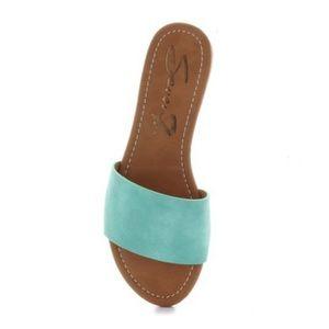 Slip on Seven7 Solo slide sandals